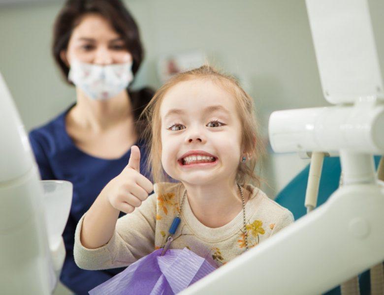 Diş Kayması Nedir? Nasıl Tedavi Edilir?